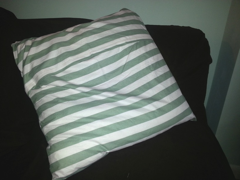 Green-cushion-cover-back